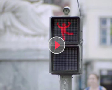 the dancing traffic light manikin