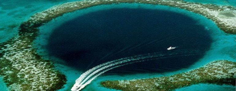 blue hole in the south china sea